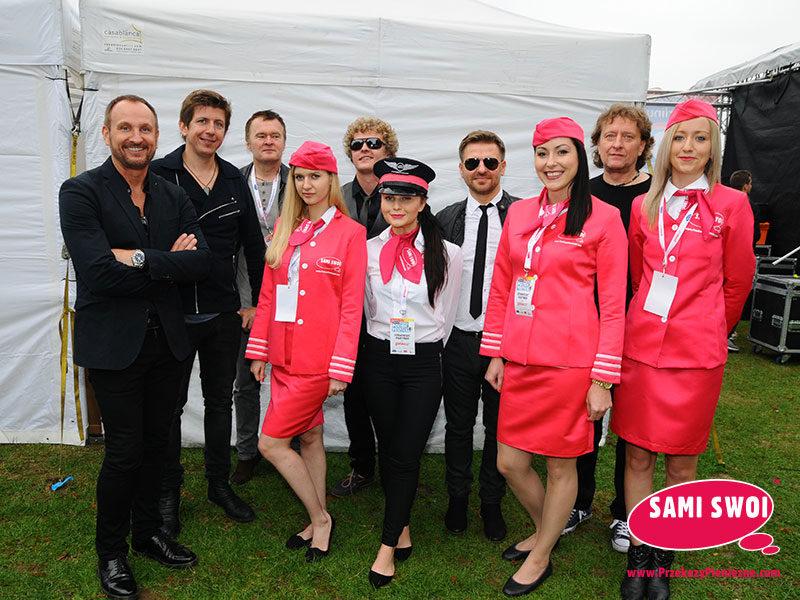 Demono i nasze stewardessy Sami Swoi